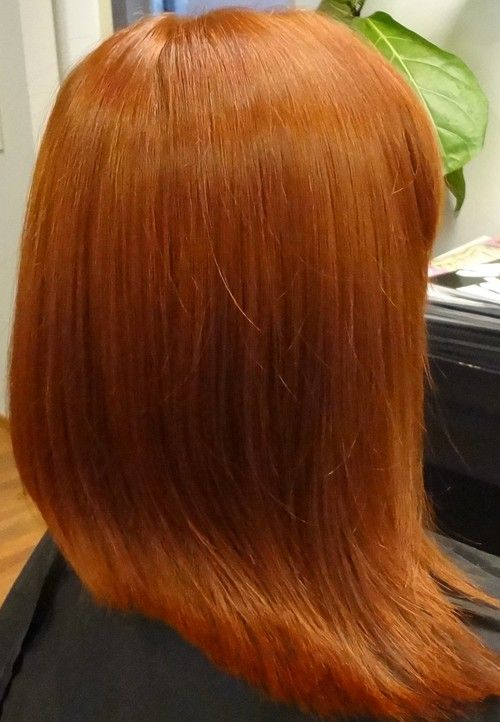 kuparin väriset hiukset