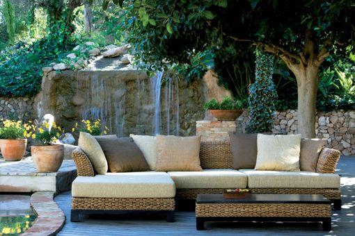 Sofá mas chaise longue para jardín y terraza por Kentto Shiito