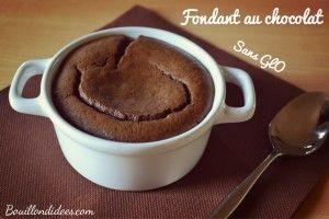 Fondant au chocolat sans GLO (gluten, lait plv, oeuf), à base de tofu soyeux. http://bouillondidees.com/fondants-moelleux-tout-choco-sans-glo-gluten-lait-oeuf/