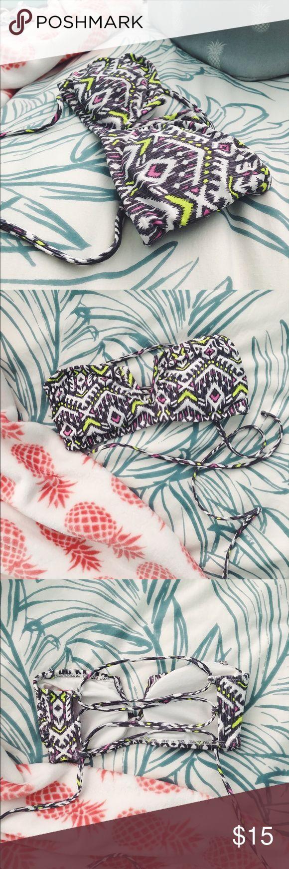 Vs pink bandeau bikini top Size extra small vs pink bandeau bikini top. Ripped out tags because it itched PINK Victoria's Secret Swim Bikinis