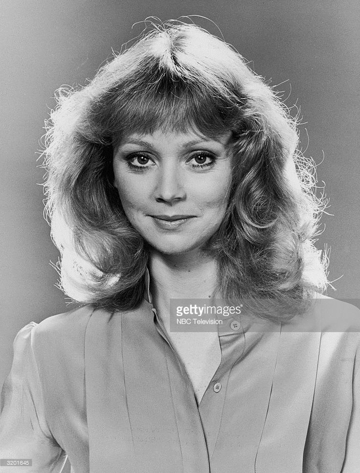 Shelley Long Nude Photos 51