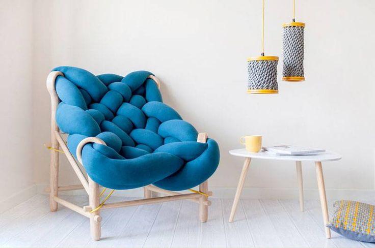 O resultado do trabalho de Veega Tankun são cadeiras e luminárias divertidas, com cores vibrantes