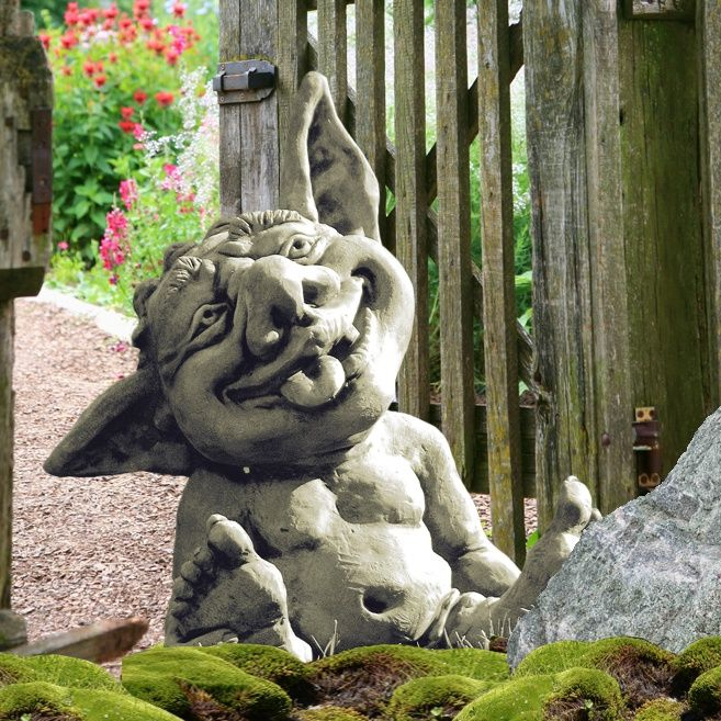 Lachende-Garten-Wichtel-Skulptur-Frieso_b2.jpg (657×657)