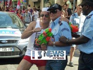 """FOR THE LOVE OF UNIFORMS (Gay Pride Parade)  -Lors de la GAY PRIDE à Paris nous avons vu des collègues porter une tenue genre """"police"""" qui d'ailleurs tombe sous le coup de la loi"""