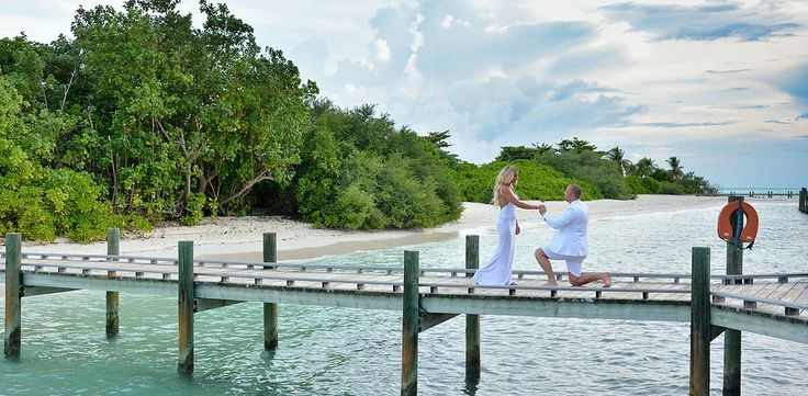 Professional outdoor photo session on the beach, portrait photography. Minimum editing, real emotions. Romantic honeymoon photography