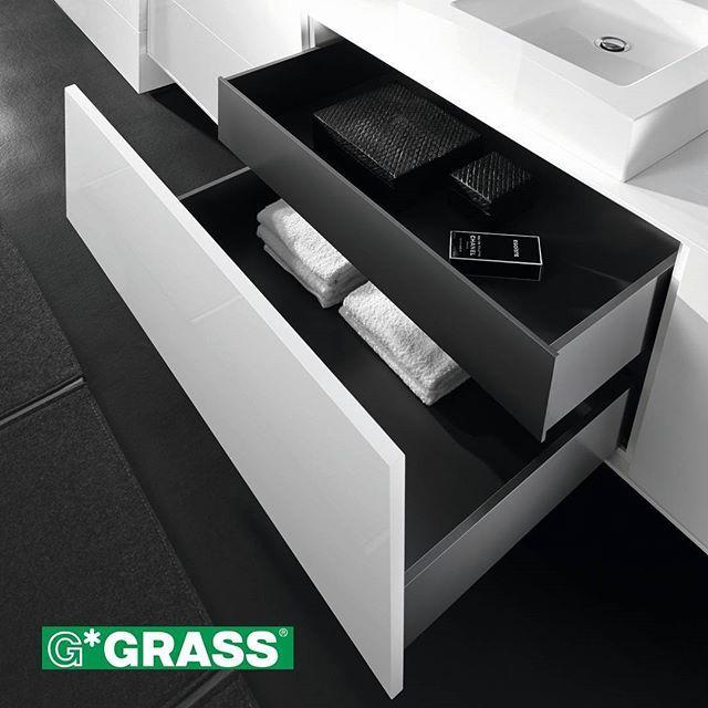 Varastossamme selkeälinjainen, tyylikäs Grass Vionaro –laatikko. Ohut- ja suorasivuinen laatikko sekä säästää tilaa että sulkeutuu ja avautuu kevyesti. #grass #vionaro #grassvionaro #laatikko #koti #toimisto #sisustus #design #sisustussuunnittelu #sisustussuunnittelija #arkkitehti #interior #interiordesign #helakeskus #seinäjoki #yritysmyynti #tukkumyynti