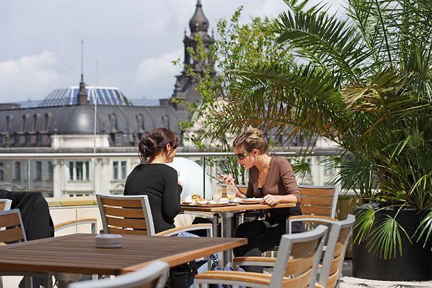 Terrasse des Le Buffet im Karstadt Oberpollinger
