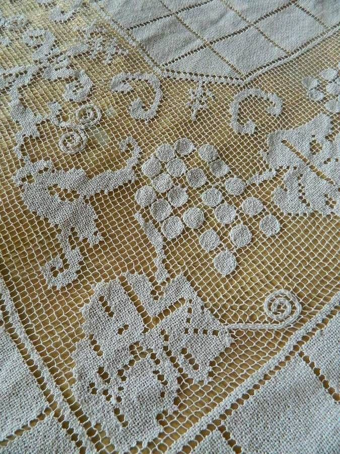 Large vintage hand worked filet net lace tablecloth / bedspread - 78  x 60