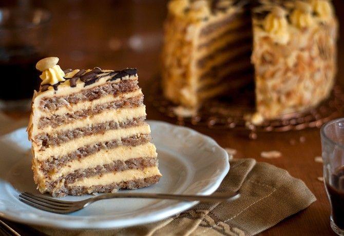 Hatlapos Eszterházy-torta recept képpel. Hozzávalók és az elkészítés részletes leírása. A hatlapos eszterházy-torta elkészítési ideje: 195 perc