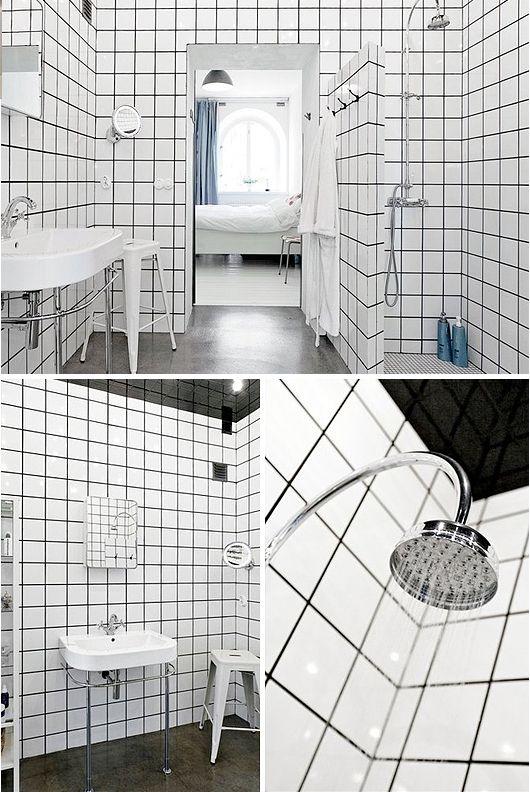Fliser fra gulv til loft og på bruse væg kan blive for meget og skabe uro og følelsen af offentligt toilet…. DON'T