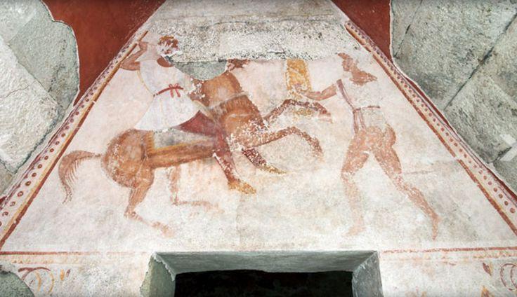 Сцена над входа на гробната камера, Александровска гробница