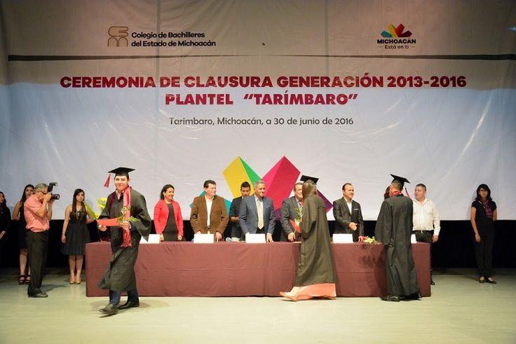 El director general del Cobaem, Alejandro Bustos, comentó que, a 32 años de servicio educativo, en el subsistema se han graduado casi 160 mil estudiantes, lo que significa que ha ...