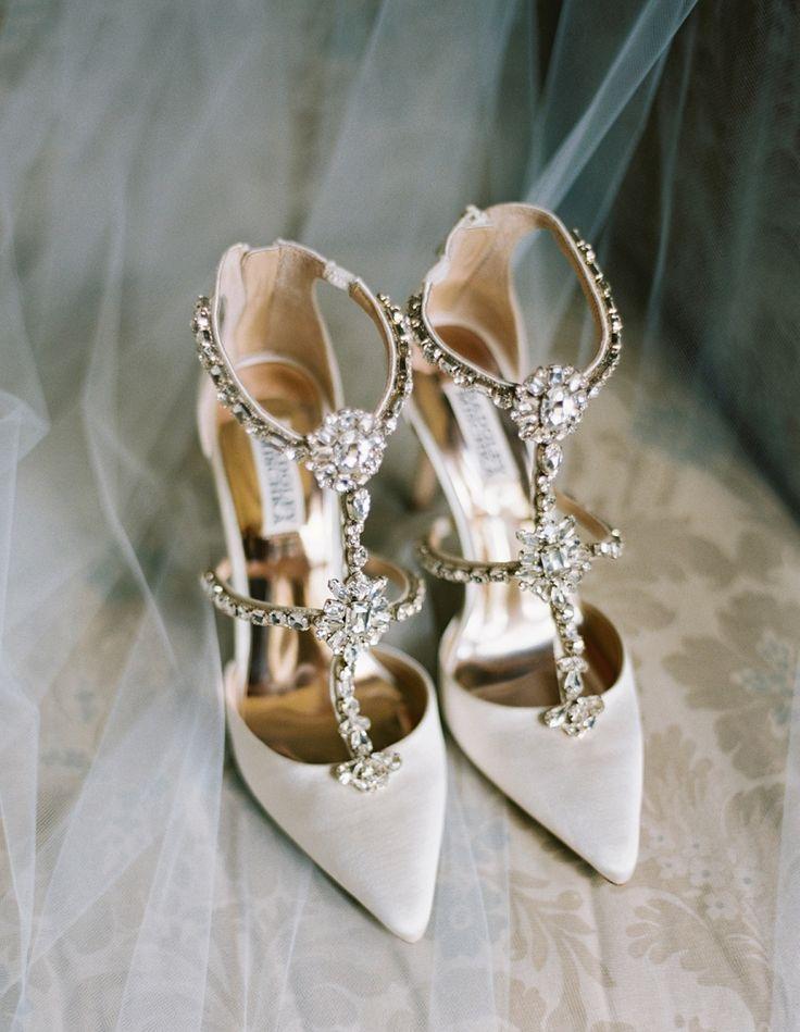 Shoes: Badgley Mischka   A. Thomas Photography