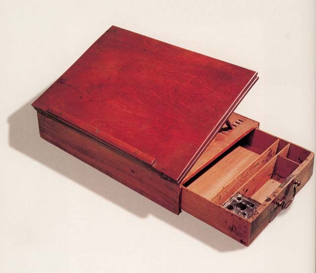 Portable desk is said to be based on a design by thomas jefferson