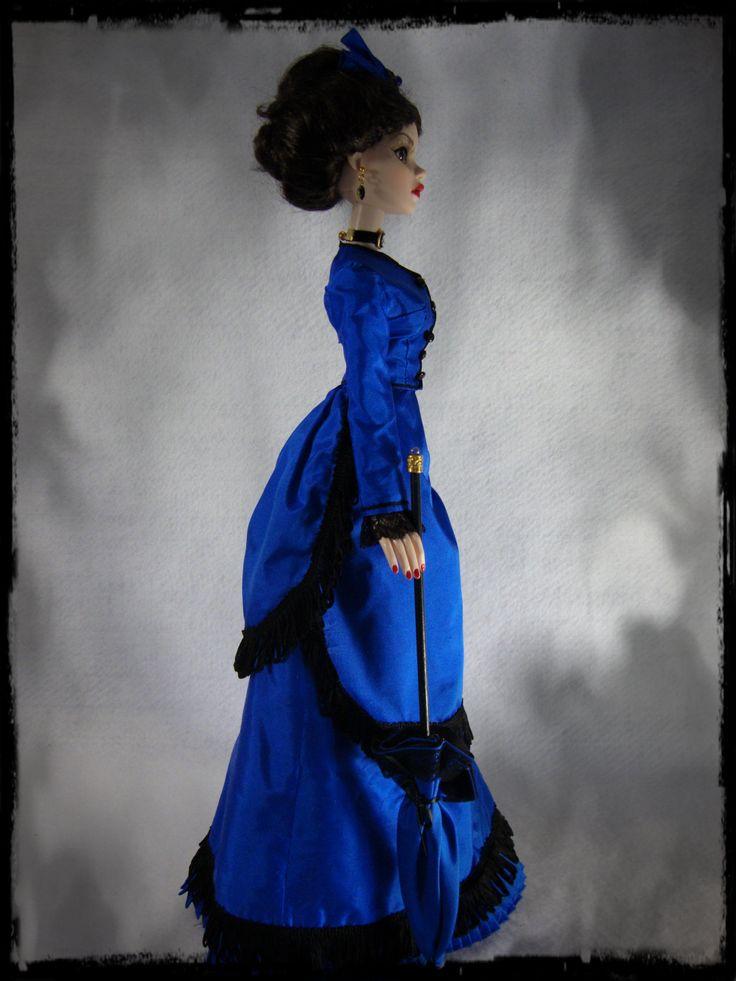 Side view of bustle dress