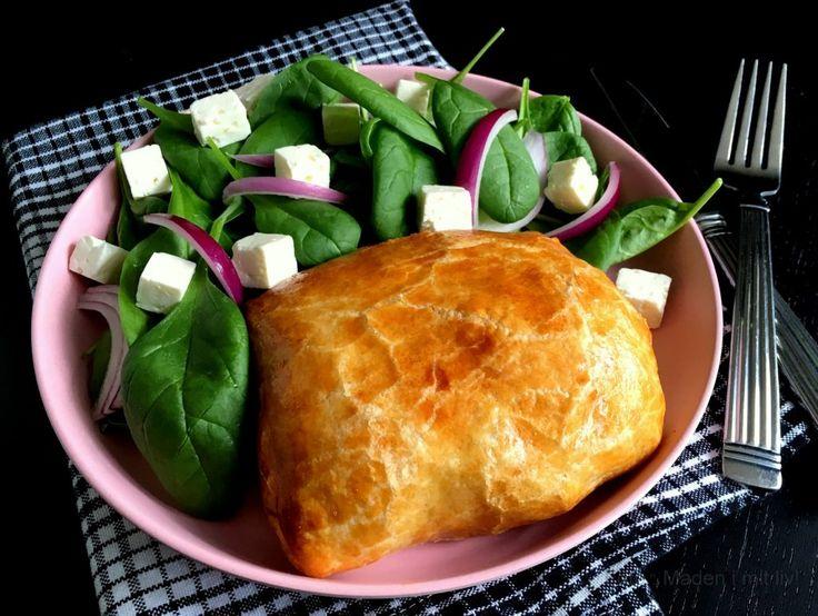 Indbagte koteletter med bacon, porrer og pikantost…