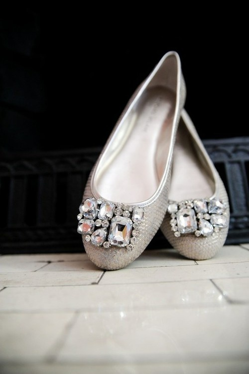 Vera Wang wedding ballet flats. perfect to maybe change into during the reception? so pretty!