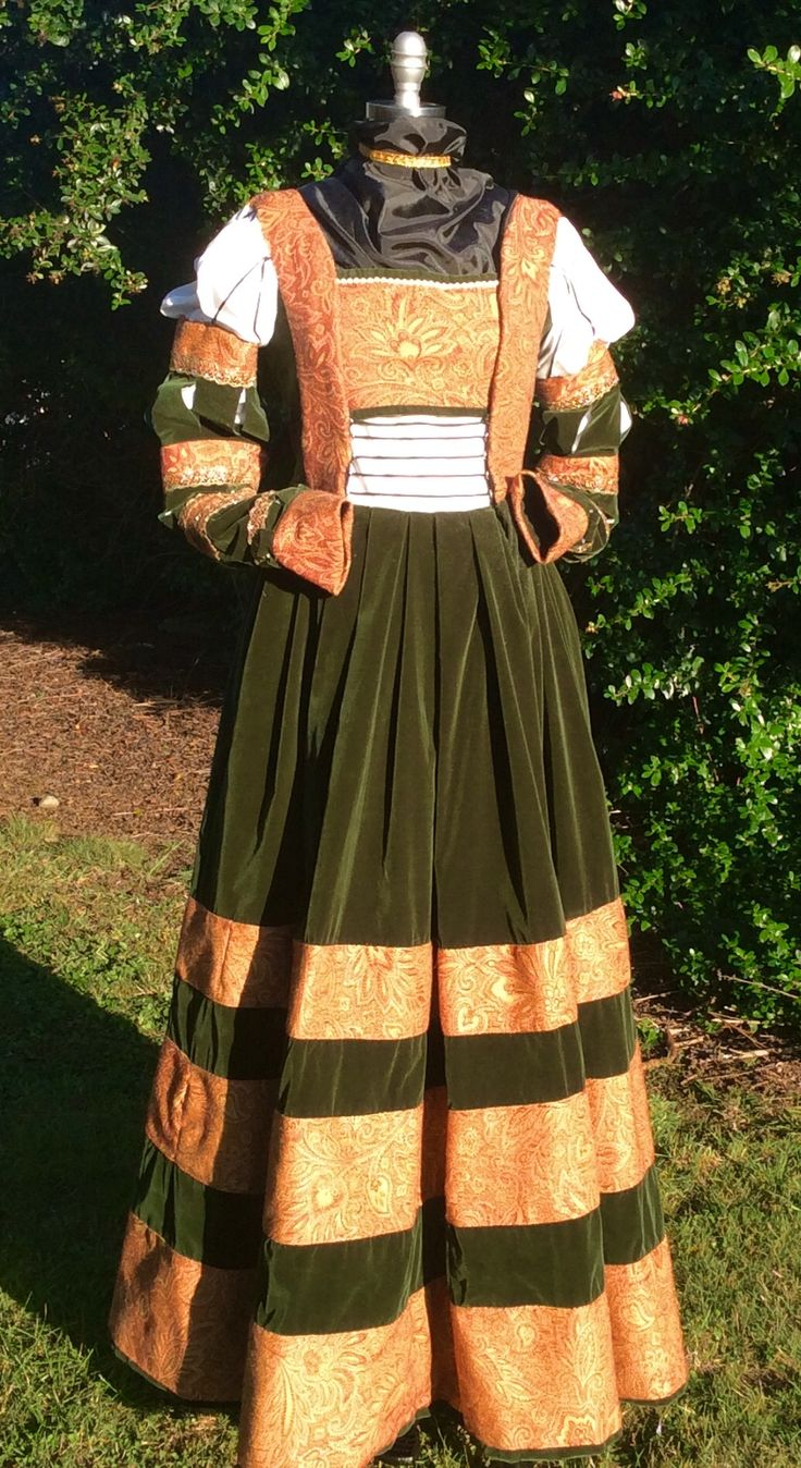 23 best Saxon Cranach Gown images on Pinterest | Lucas cranach ...