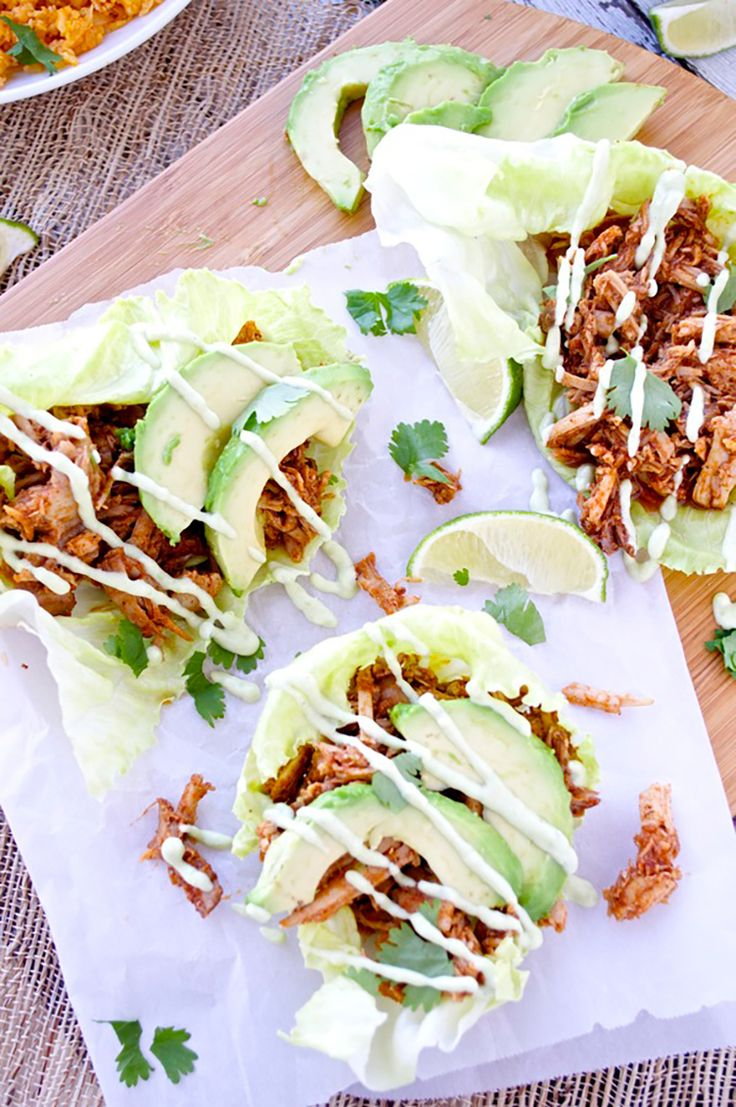 7. Chipotle Pulled Pork Lettuce Wraps With Avocado Aioli #lunch #wraps #recipes http://greatist.com/eat/healthy-lunch-ideas-quick-and-easy-wraps