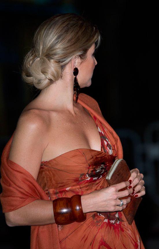 Love the bracelets! (Queen Maxima)