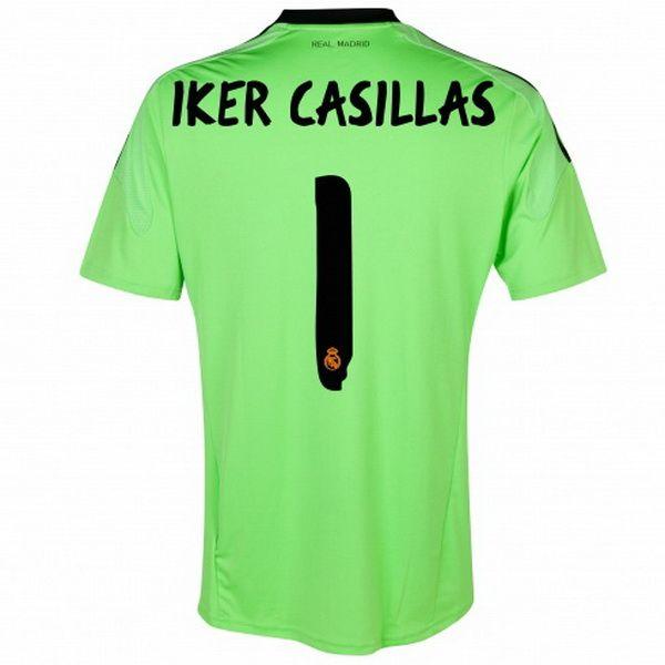 45efc07c2 Iker Casillas de Camiseta Del Real Madrid Portero Segunda 20132014 Classic Real  Madrid Football Shirts Pinterest ...