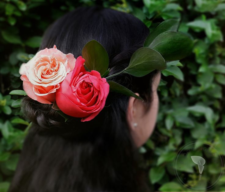 The perfect flower headpiece.