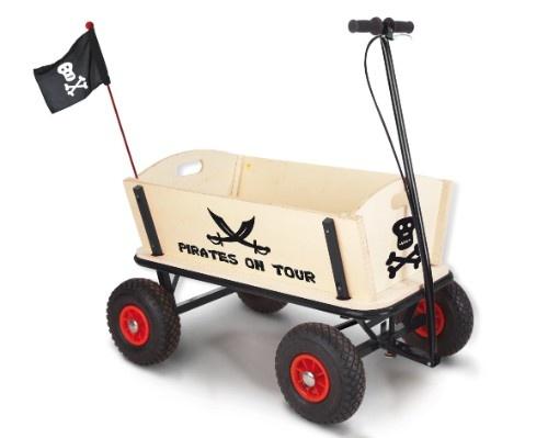 Der Bollerwagen Jack bietet Spaß und gute Laune.     Das stabile Metallgestell sorgt für die nötige Stabilität, die 4 Luftreifen garantieren einen angenehmen und ruhigen Lauf.     Die Handbremse bietet zusätzliche Sicherheit.    Mehr Infos auf:  http://www.mytoys.de/Pinolino-Bollerwagen-Jack/Auf-dem-Spielplatz/KID/de-mt.tr.ca03.05/2387985