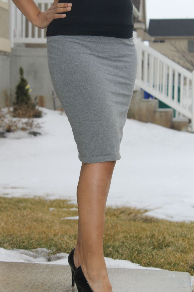 Knit pencil skirt tutorial. I've been wanting a super chic black knit pencil skirt but never found one in the stores...  Yay!