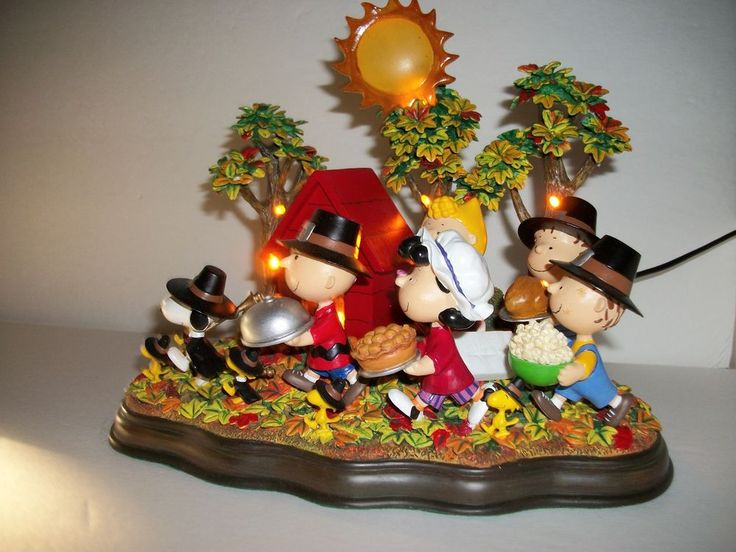 """Peanuts Thanksgiving """"A Time To Give Thanks"""" Danbury Mint Lighted Sculpture"""