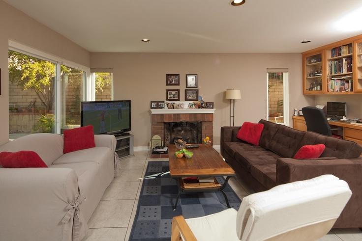 Beautiful Well-kept Spacious Open Floor Plan, 4 Bedroom 2