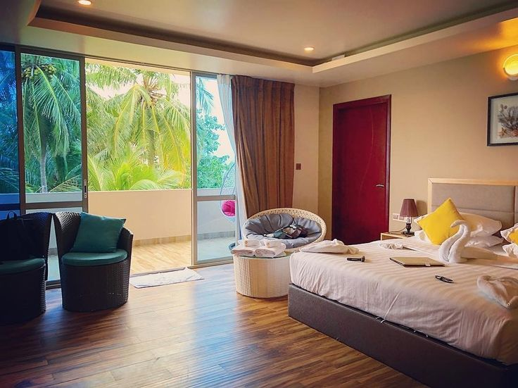 Executive suites provide extra space,  comfort and amenities to ensure enjoyable vacation in Maldives  Photo credit: @aline_lessner  #travel #island #Thulusdhoo #indianocean #hotel #room #balcony #interiors #interiordesign #relax #vacation #bucketlist