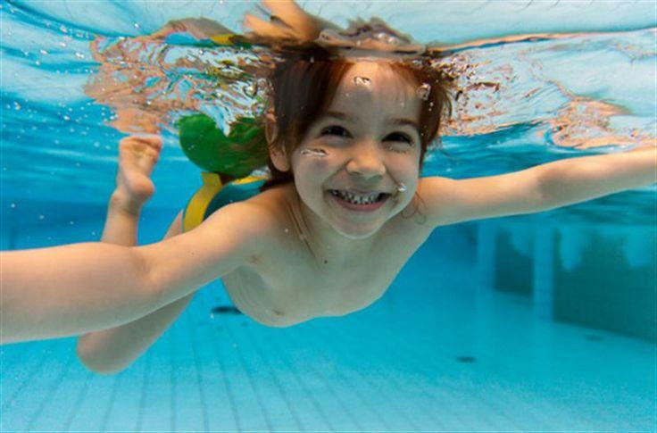 Sie schwimmt gern :)