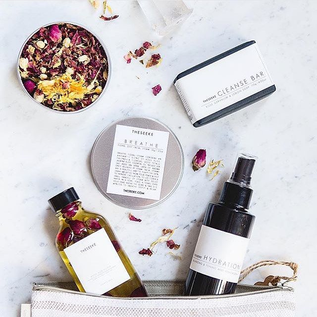Too hard to resist with this giveaway. @theseeke is one of my favourite natural beauty brands and the Rose Giveaway is to die for and I'd love to share it with my soul sista @viv.noir #rosegiveaway#theseeke#giveaway#greenbeauty#greenbeautyblog by zigbeauty