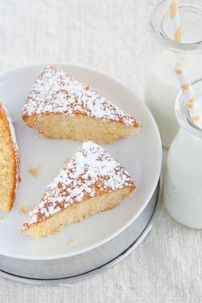 Torta light all'acqua, senza uova e latticini: buona, soffice e soprattutto sana! E' una torta dietetica molto facile da preparare.