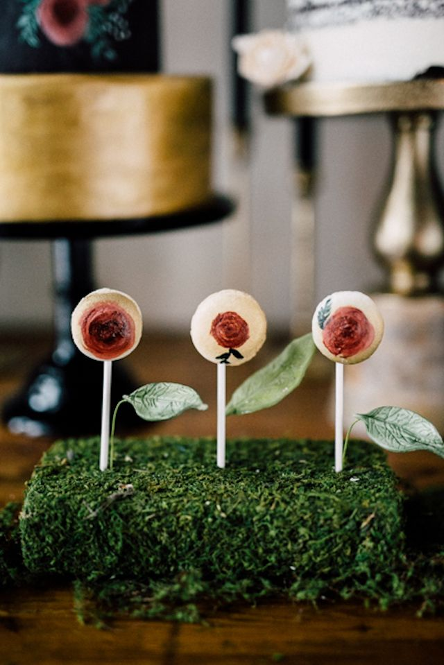 Hand-painted cake pops  | Simply Lace Photography
