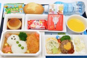 ANA、子ども向け「デコ弁」子育てシェフが創作 国際線機内食刷新で