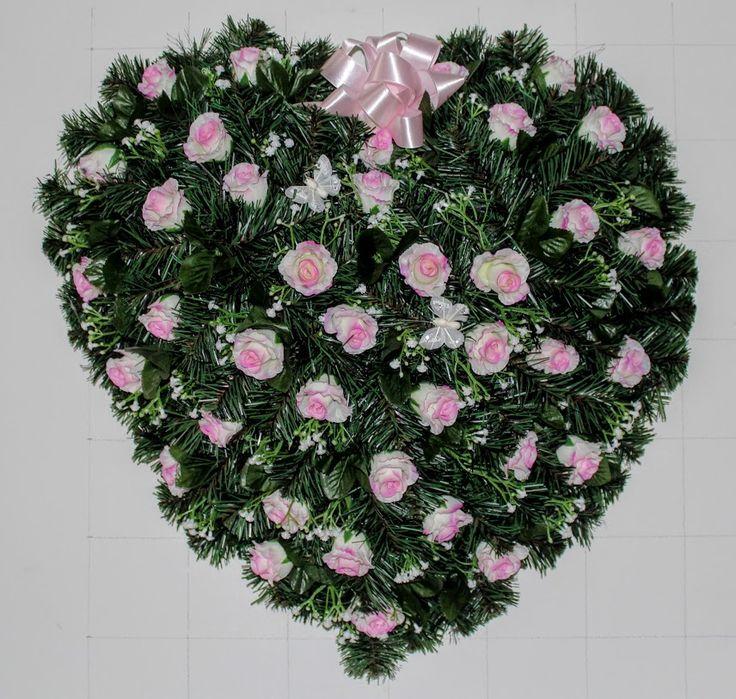 Veniec srdce S16 Smútočný veniec o rozmere 60cm. V tvare srdca. Donáška vencov denne a na presný čas. Vyrobíme vence aj na objednávku podľa Vašich požiadaviek - ráčte nás kontaktovať telefonicky na 0904 947 494 alebo 0904 034 334.  Doručujeme aj na cintoríny v Bratislave a okolí priamo pred obradom.  #smútočný #veniec #funeral #wreath #artificial #pink #roses #ružové #ruže #hearth #srdce