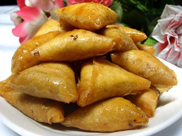 recette Briouats aux amandes et cacahuètes : Recette briouat, Cuisine Femme Zoom, Recettes de cuisine ...