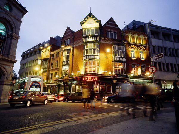 Dublin, Ireland.  Can't wait to visit.: Bucketlist Buckets, Buckets Lists, Pub Crawl, Travel Photo, Cities Life, Photo Galleries, Dublin Pub, Dublin Ireland Pub, Ireland Travel