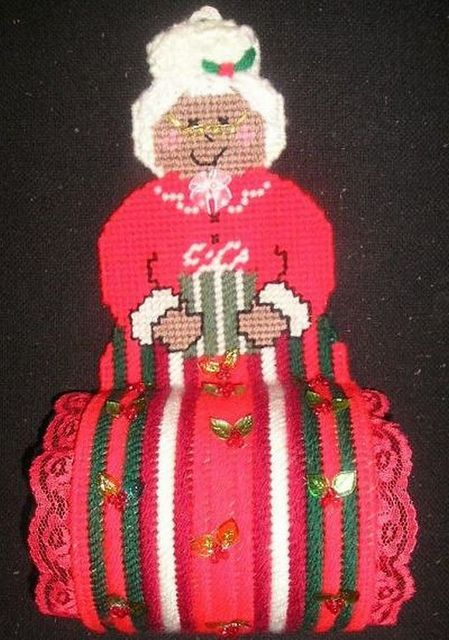 pc-mrs claus toilet roll holder | Flickr - Photo Sharing!  #plasticcanvas