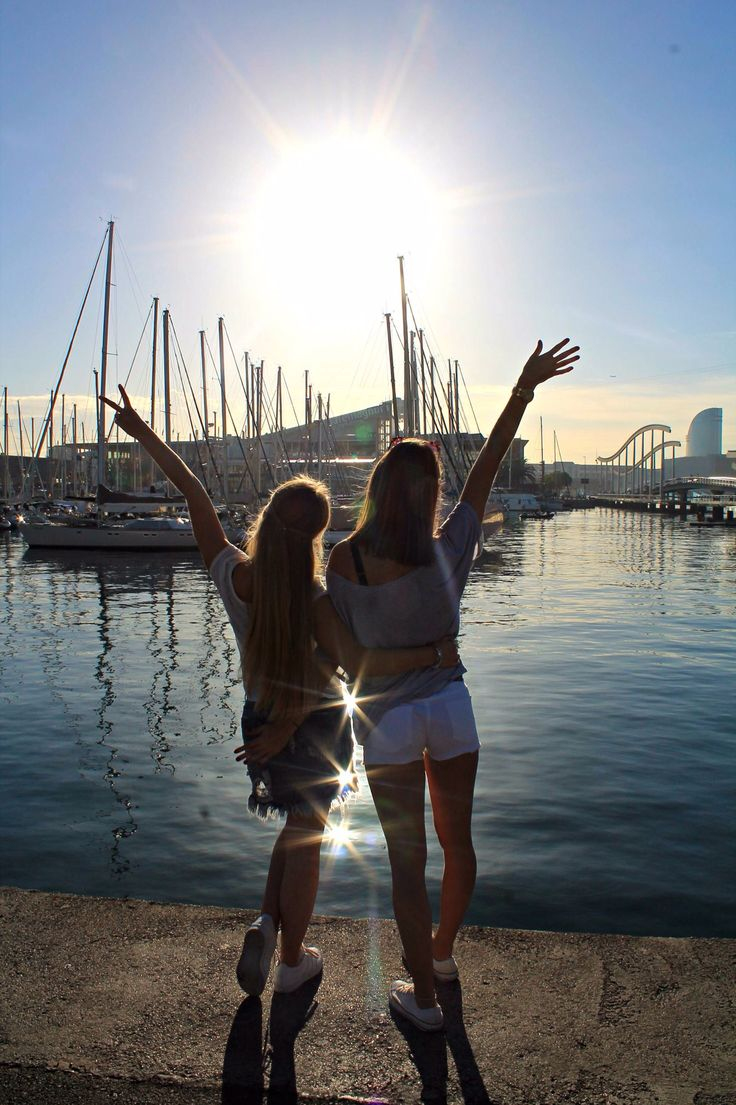 There's nothing like traveling with friends #travelling #friends #barcelona