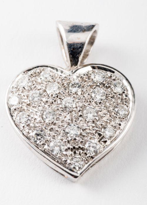 Ciondolo in oro bianco 18 kt a forma di cuore con brillanti kt 0,46 co
