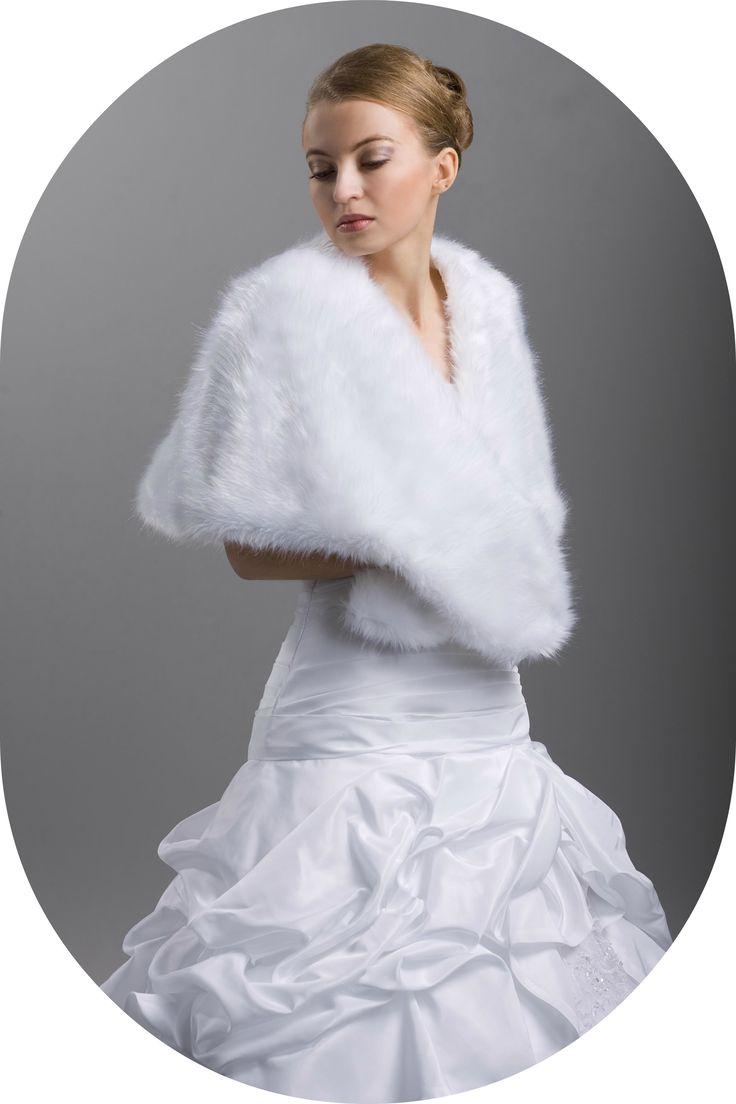 Winterstola fr die Braut  Stola in Wolfsfelloptik zum