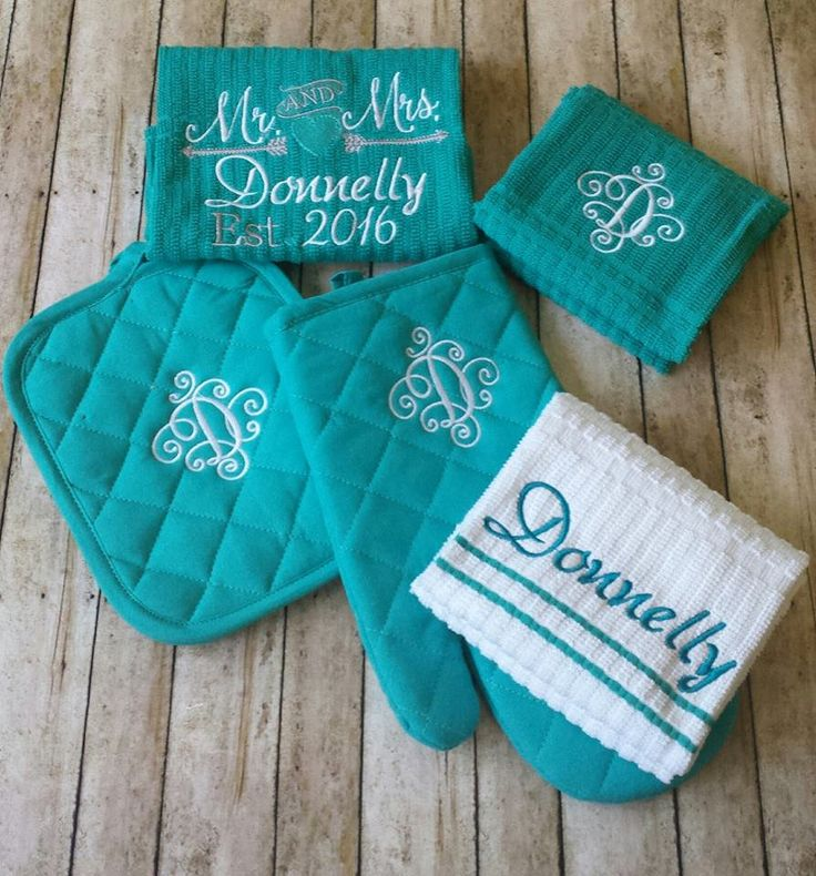 Monogrammed personalized kitchen towel set - includes 2 monogrammed potholders, 2 personalized kitchen towels and a monogrammed oven mitt. by StitchnCafe on Etsy