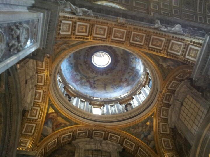 Cupola nella basilica di San Pietro a Roma