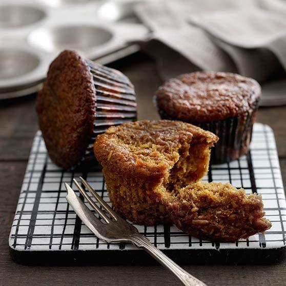 Täyteläiset banaanilta ja kookokselta maistuvat muffinit