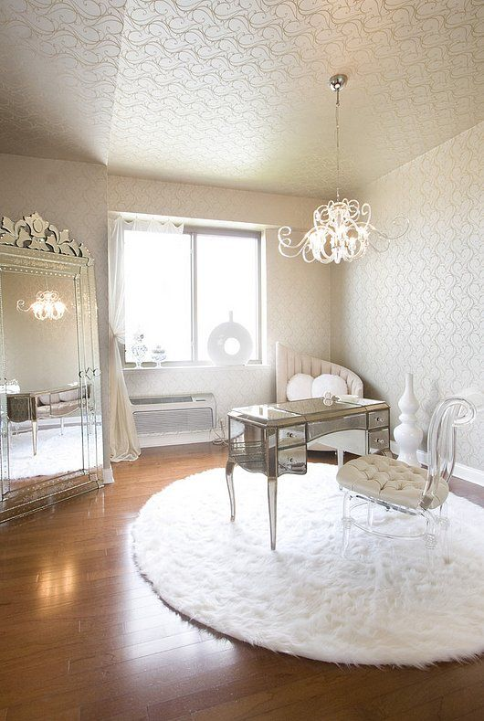 12 Affordable Ways to Add Glamour to Your Home: Let's state the obvious: we all want our homes to look like a million bucks.