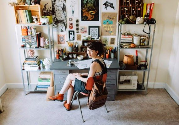 Moon to Moon: The workspace of... Artist Joëlle Workman Really digging this ORGANIZED work space!!