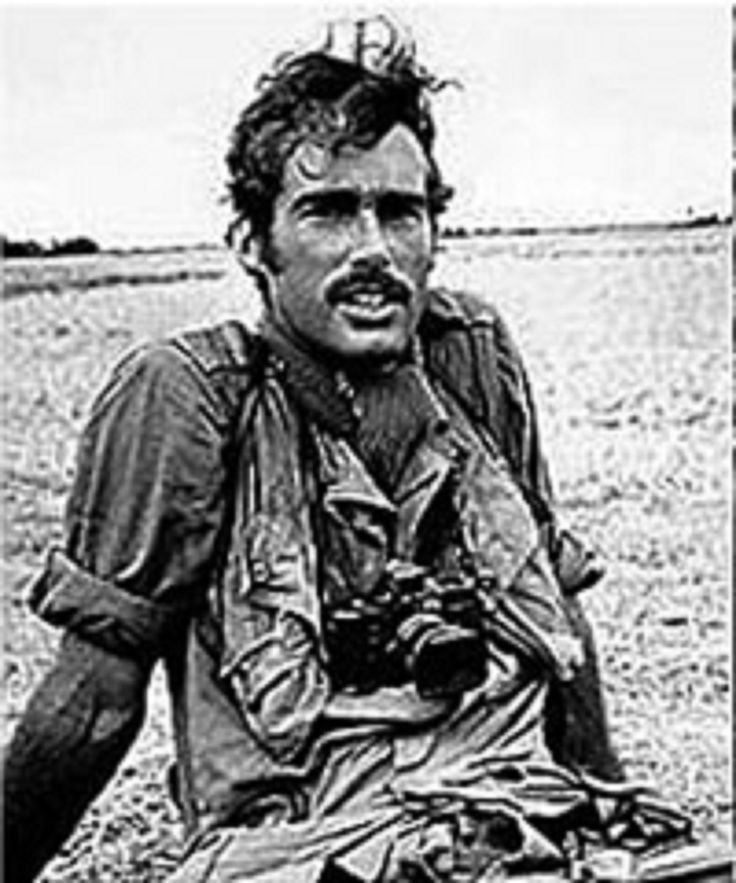 SEAN FLYNN (Los Angeles California USA) Son of Errol Flynn Journalist and Cameraman of the Chain CBS. Disappeared in 1970 during the Cambodian Civil War. Supposedly was executed
