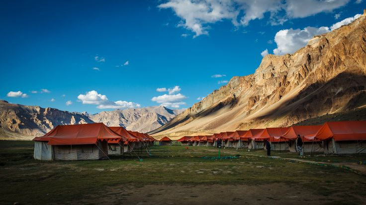 Are you fascinated by things like beautiful #landscape, flowing water, blue sky, #chirping birds, green-grass, #starry night? #goExplore Top 5 #Camping Destinations in #India http://goo.gl/Jb4fnq